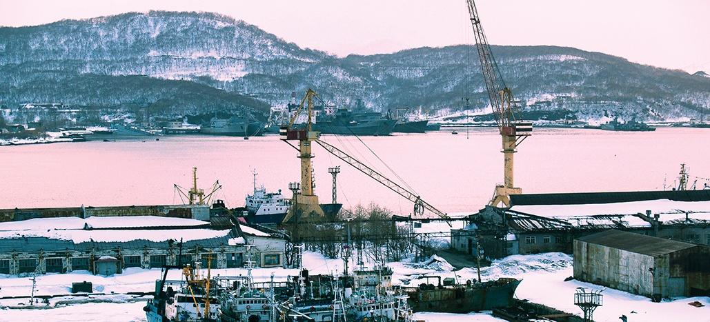 iStock-1049473342-port-and-crane-banner